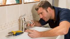 Phoenix plumber repairing sink faucet